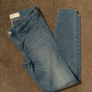 A&F blue jean jegging. Like new!